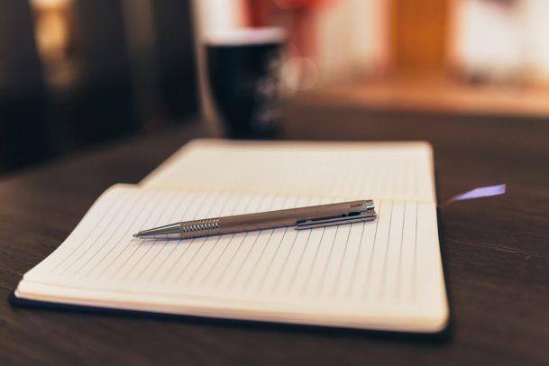 notepad-926046_960_720