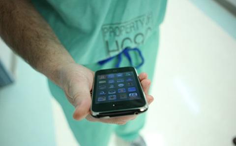 nurse-iphone