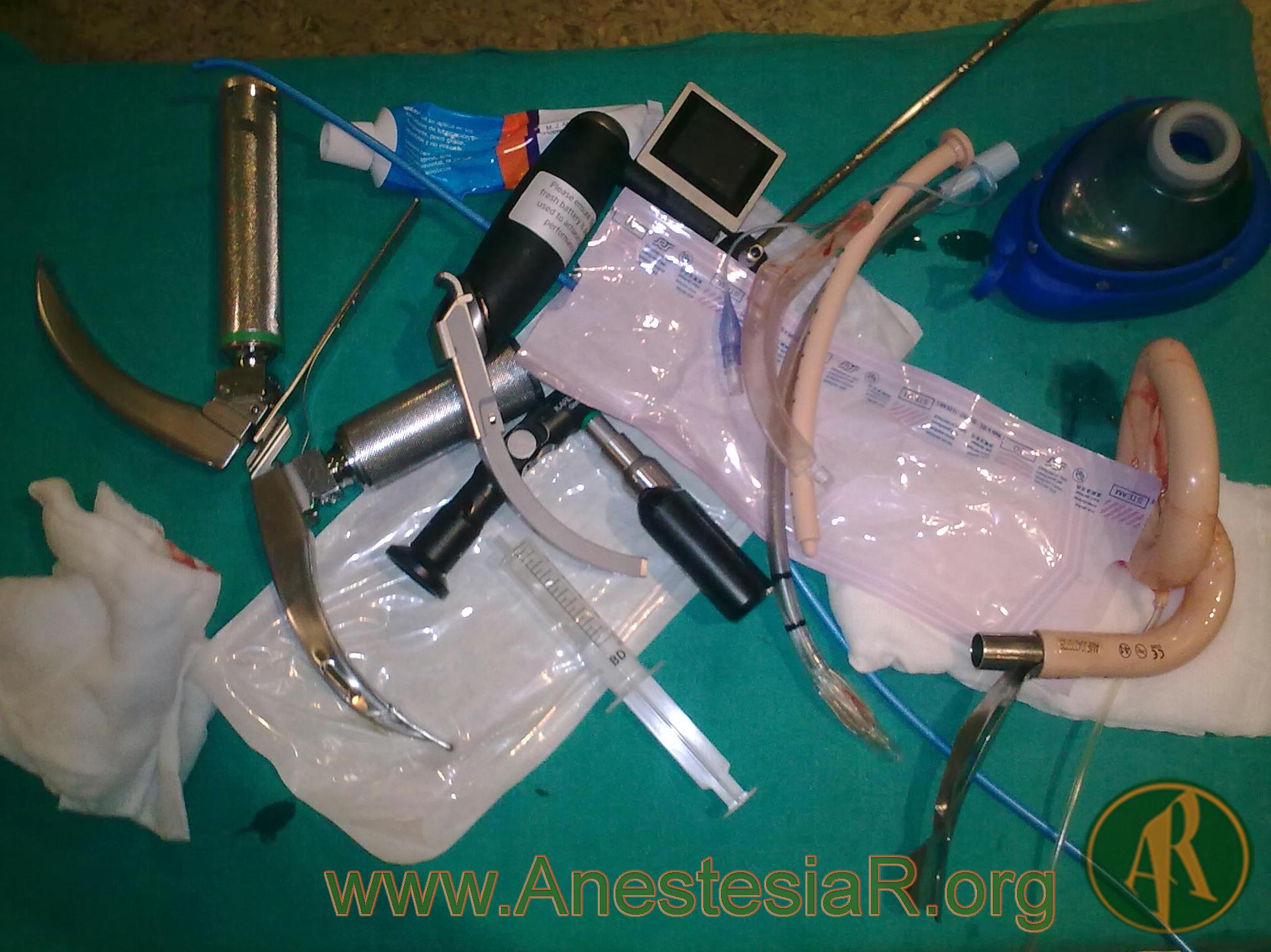 Material VA en situacion no ventilable, no intubable.